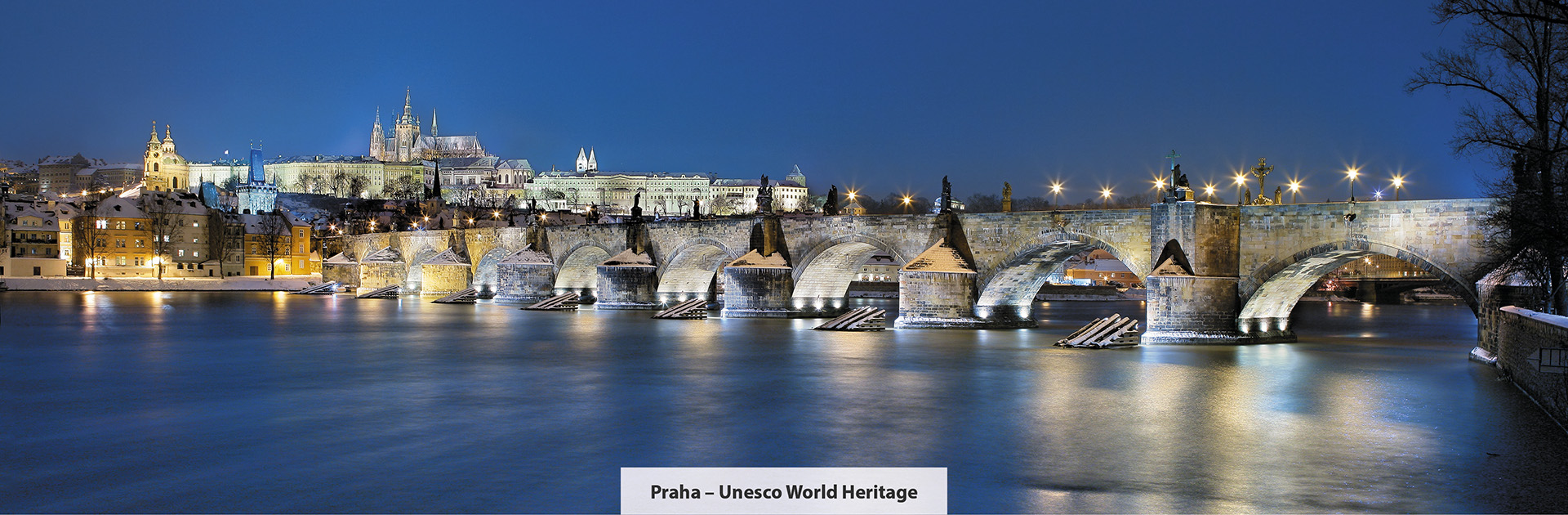 Praha, zimni pohled na Karlův most, zdroj: Libor Sváček, archiv Vydavatelství MCU